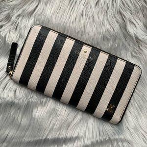 ⭐️1Hr Sale Kate Spade Black & White Striped Wallet